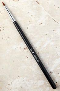 Sigma E05 Eye Liner Brush at Lulus.com!