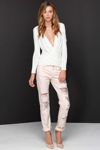 Blank NYC Ditz Distressed Pink Boyfriend Jeans at Lulus.com!