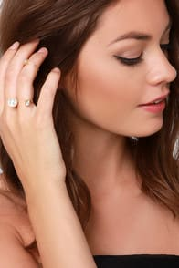 Bisou Bisou Gold Pearl Ring Set at Lulus.com!