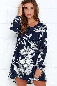 Sunday Mood Navy Blue Floral Print Shift Dress at Lulus.com!