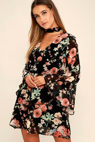 Feeling of Love Black Floral Print Shift Dress at Lulus.com!