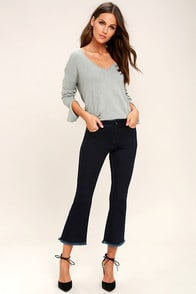 Much To My Delight Dark Wash Cropped Flare Jeans at Lulus.com!