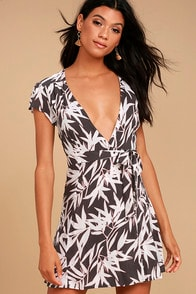 AMUSE SOCIETY TURNER CHARCOAL GREY PRINT WRAP DRESS at Lulus.com!