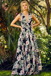 Love Interest Black Floral Print Maxi Dress at Lulus.com!