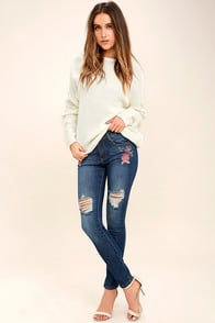 Flower Child Medium Wash Embroidered Distressed Skinny Jeans at Lulus.com!