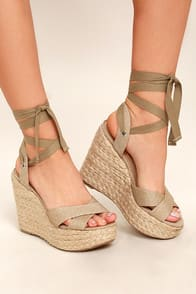 ESME NATURAL LACE-UP ESPADRILLE WEDGES at Lulus.com!