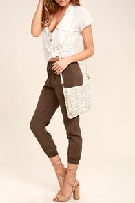 Kaia Cream Crocheted Crossbody Purse at Lulus.com!