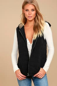 Meiker Black Hooded Puffer Vest at Lulus.com!