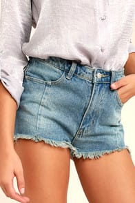 Brighten Your Day Light Wash Cutoff Denim Shorts at Lulus.com!