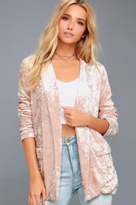 BACK TO YOUR HEART BLUSH PINK VELVET BLAZER at Lulus.com!