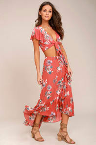 Among the Flowers Rusty Rose Floral Print Two-Piece Dress at Lulus.com!