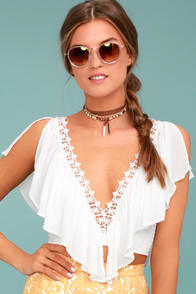 Saturday in the Park White Lace Crop Top at Lulus.com!