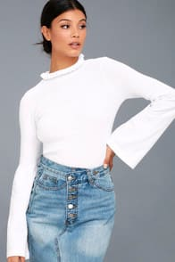 COZY MOMENT WHITE MOCK NECK SWEATER TOP at Lulus.com!
