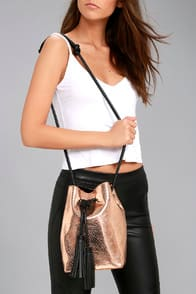 TOP-NOTCH ROSE GOLD SNAKE PRINT BUCKET BAG at Lulus.com!