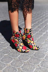 Kupuri Black Embroidered Ankle Booties at Lulus.com!