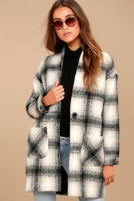 Chic in the City Black and Beige Plaid Coat at Lulus.com!