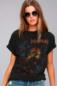 JUNK FOOD DEF LEPPARD HYSTERIA WASHED BLACK TEE at Lulus.com!