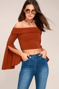FRIDA RUST RED LONG SLEEVE OFF-THE-SHOULDER CROP TOP at Lulus.com!