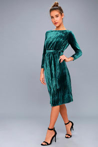 BB Dakota Lennox Forest Green Velvet Long Sleeve Midi Dress at Lulus.com!