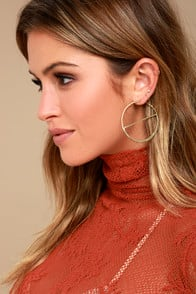 ROLL ON GOLD ENGRAVED HOOP EARRINGS at Lulus.com!