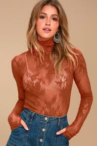 FREE PEOPLE SWEET SECRETS RUST ORANGE LACE TURTLENECK TOP at Lulus.com!
