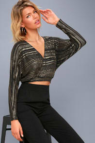 Shimmer Town Black and Gold Striped Long Sleeve Crop Top at Lulus.com!