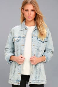 Hit Single Light Wash Pearl Denim Jacket at Lulus.com!