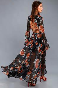 Petals on the Breeze Black Floral Print Maxi Dress at Lulus.com!