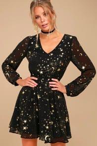 Midnight Skyline Black Star Print Long Sleeve Skater Dress at Lulus.com!