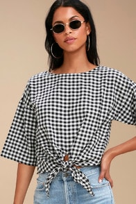 O'Neill Sanara Black and White Gingham Tie-Front Top at Lulus.com!