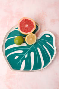 PARADISE WHITE AND GREEN BOTANICAL PORCELAIN TRAY at Lulus.com!