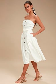 Moon River Zoie White Straplesss Belted Midi Dress at Lulus.com!