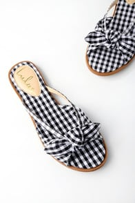 Delilah Black Gingham Slide Sandals at Lulus.com!