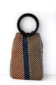 Sugar Beach Black Multi Purse at Lulus.com!