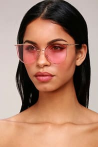 DOCKSIDE GOLD AND PINK SUNGLASSES at Lulus.com!