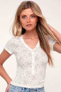 Lulus Santa Barbara White Lace Cropped Tee at Lulus.com!