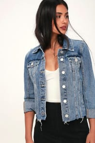 TRAFFIC JAM LIGHT WASH RAW HEM DENIM JACKET at Lulus.com!