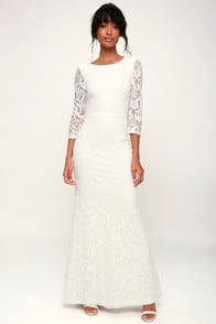 ADLEY WHITE LACE THREE-QUARTER BACKLESS MAXI DRESS at Lulus.com!