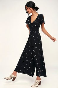 Shannon Black Floral Print Wide-Leg Jumpsuit at Lulus.com!